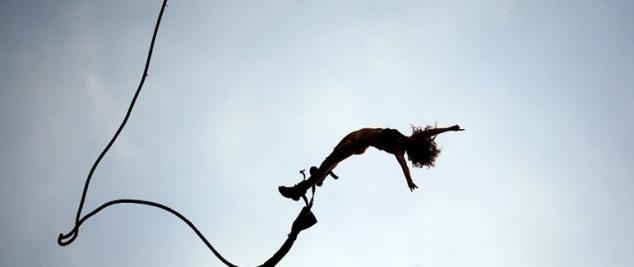 Graybit-RTW-Travel-Bungee-Jumping-Salute-Africa